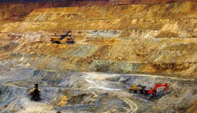 how large scale mining is different Large scale mining usually involves a company with many employees  the  remaining gravel, mud, and rocks go back into the river, but in a different location .