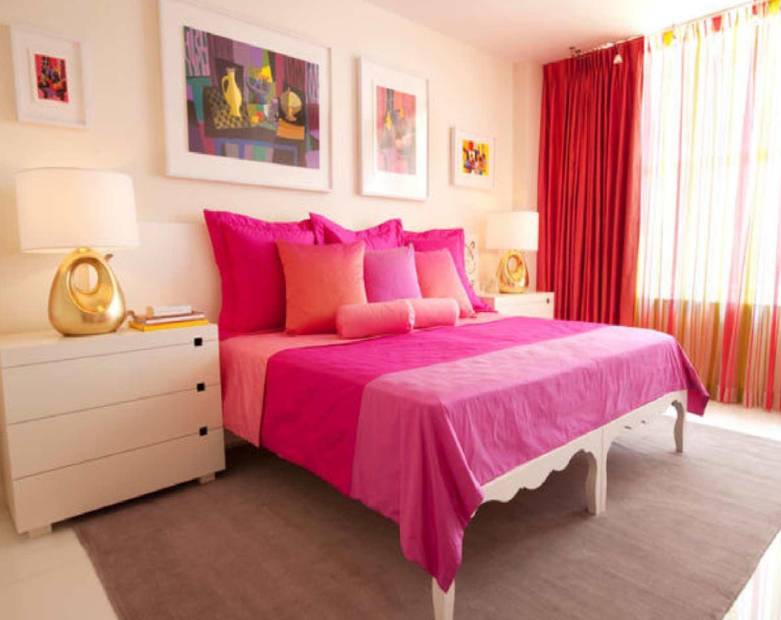 Decoração de  quarto com cortinas