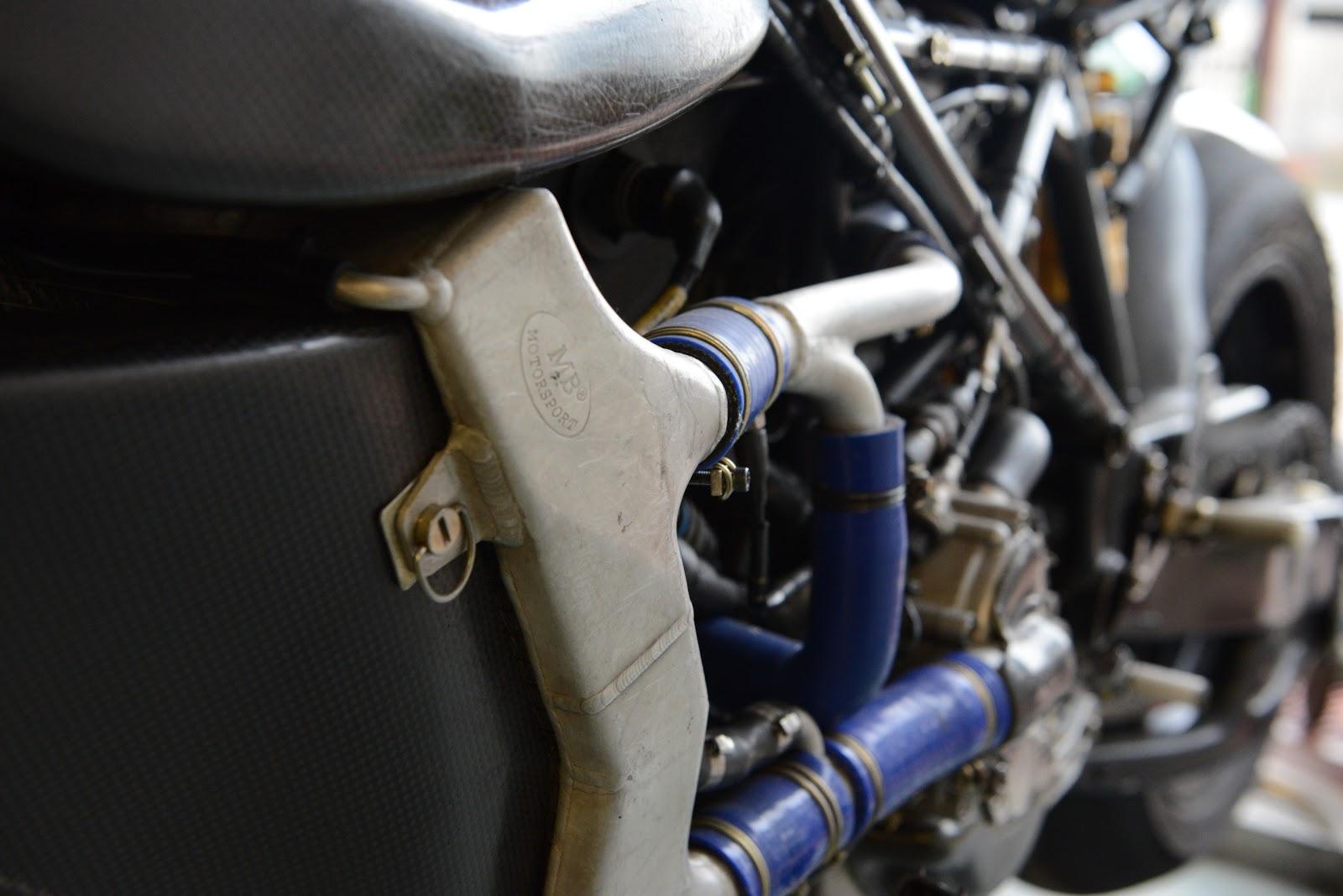 Ducati 999 et 749  - Page 3 DSC_3069