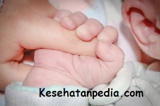 Tips mengurangi nyeri payudara pasca melahirkan