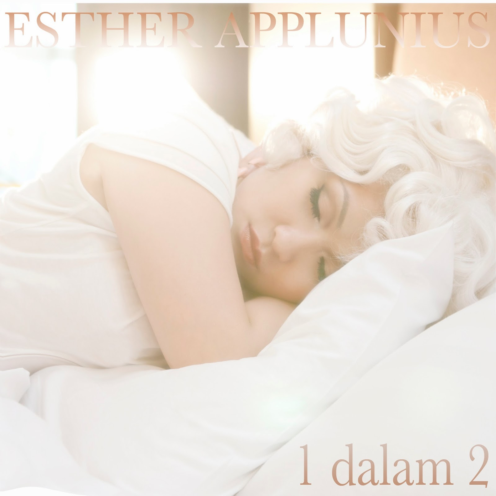 Esther Applunius - 1 dalam 2