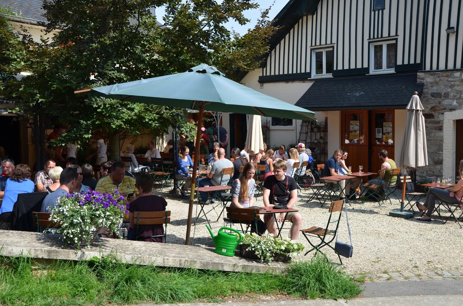 Dagelijkse hap brasserie de bellevaux een ouderwets gezellige bierbrouwerij for Wat lemmet terras betekent