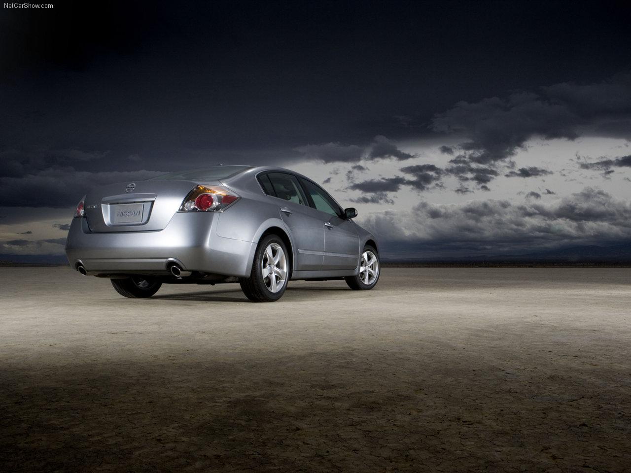 http://1.bp.blogspot.com/-lK3Fzmta5Tc/TXR_P8FHFrI/AAAAAAAADnM/bgaqcqw0yic/s1600/Nissan-Altima_2007_1280x960_wallpaper_09.jpg