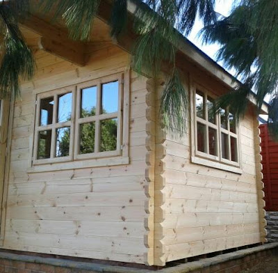 Liverpool log cabin