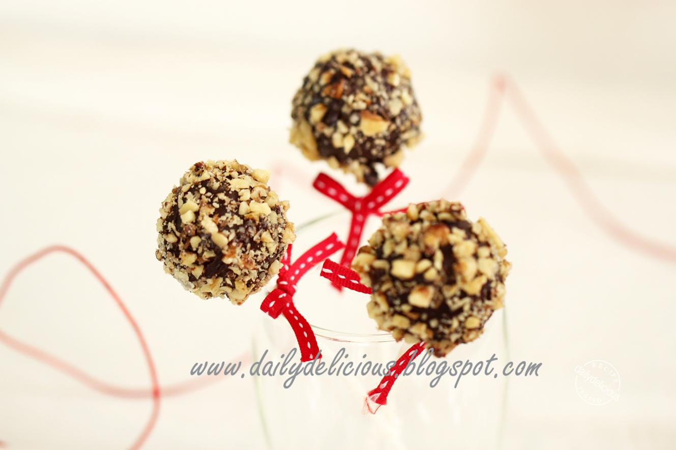 Covering Cake Pops With Icing