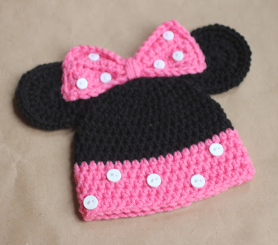 Knitted Minnie Mouse Hat Pattern : Mickey and Minnie Mouse Crochet Hat Pattern - Repeat Crafter Me