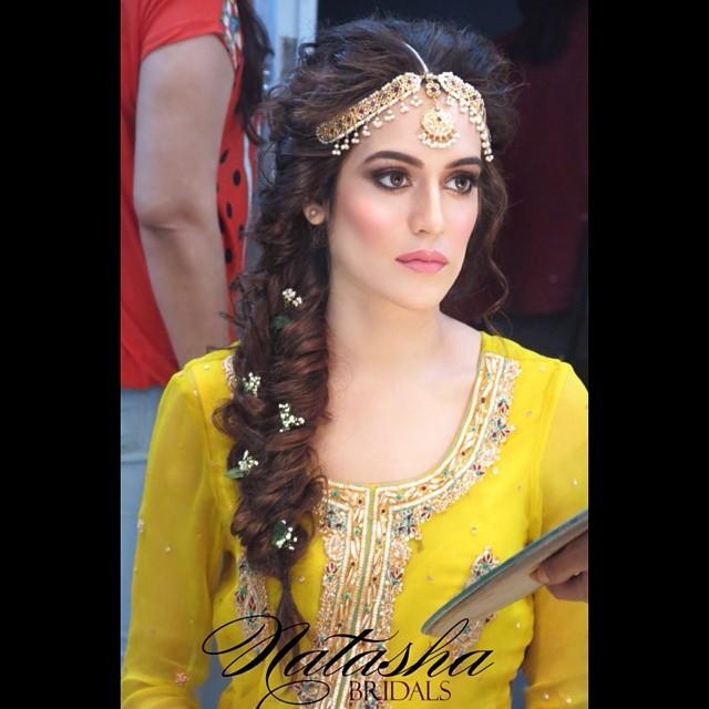 Mehndi Designs And Hairstyles : Asian fashion beauty focus natasha salon in karachi