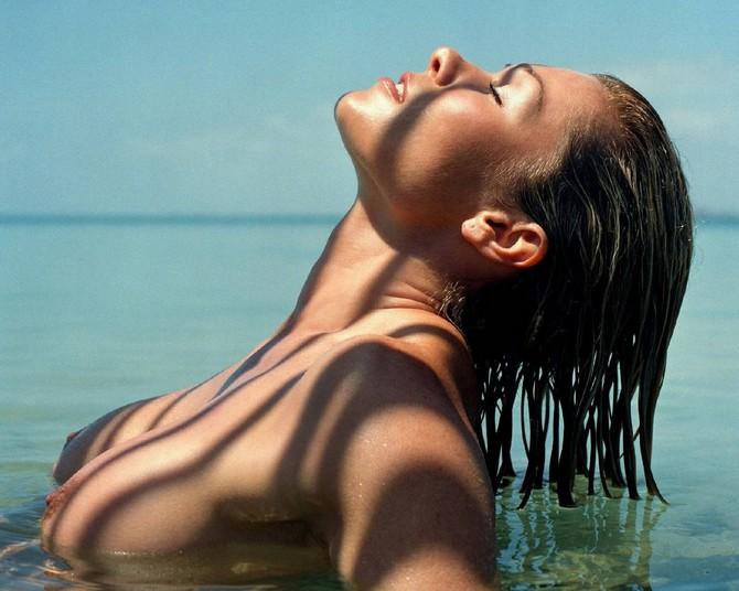 Laura croft nude blogspot