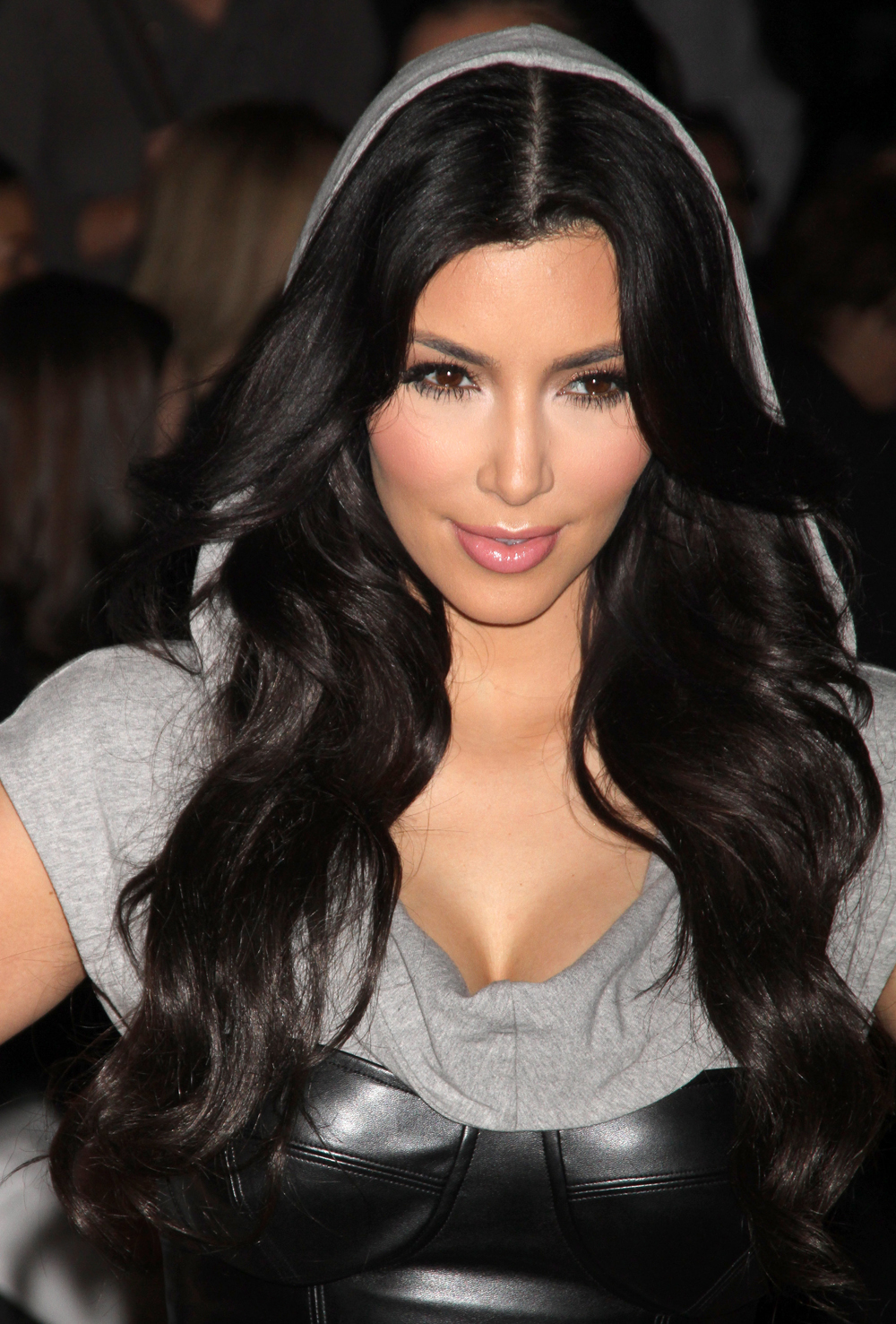 Kim Kardashian Hair Color 09
