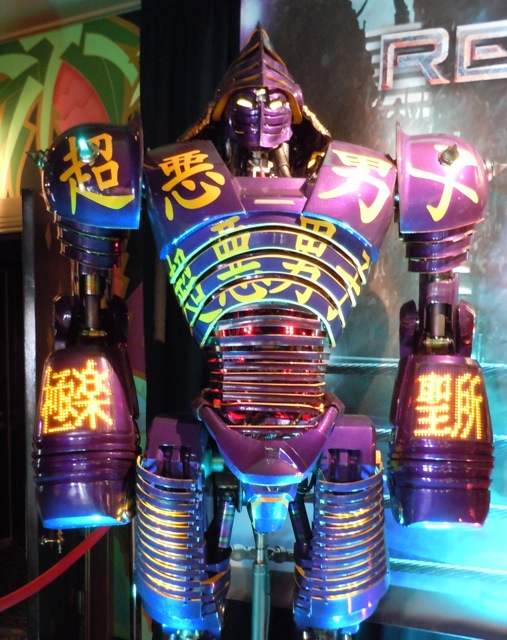 Noisy Boy animatronic robot Real Steel movie