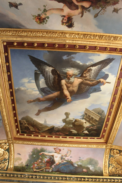 Beautiful ceiling art design in Lourve Museum in Paris, France