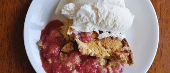 FRESH STRAWBERRY DUMP CAKE