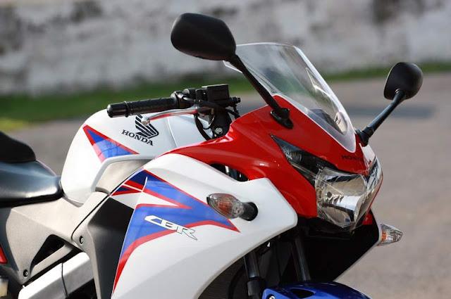 Spesifikasi New Honda CBR 150R 3.jpg