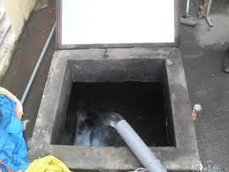 Thau dọn bể nước ngầm quận Đống Đa