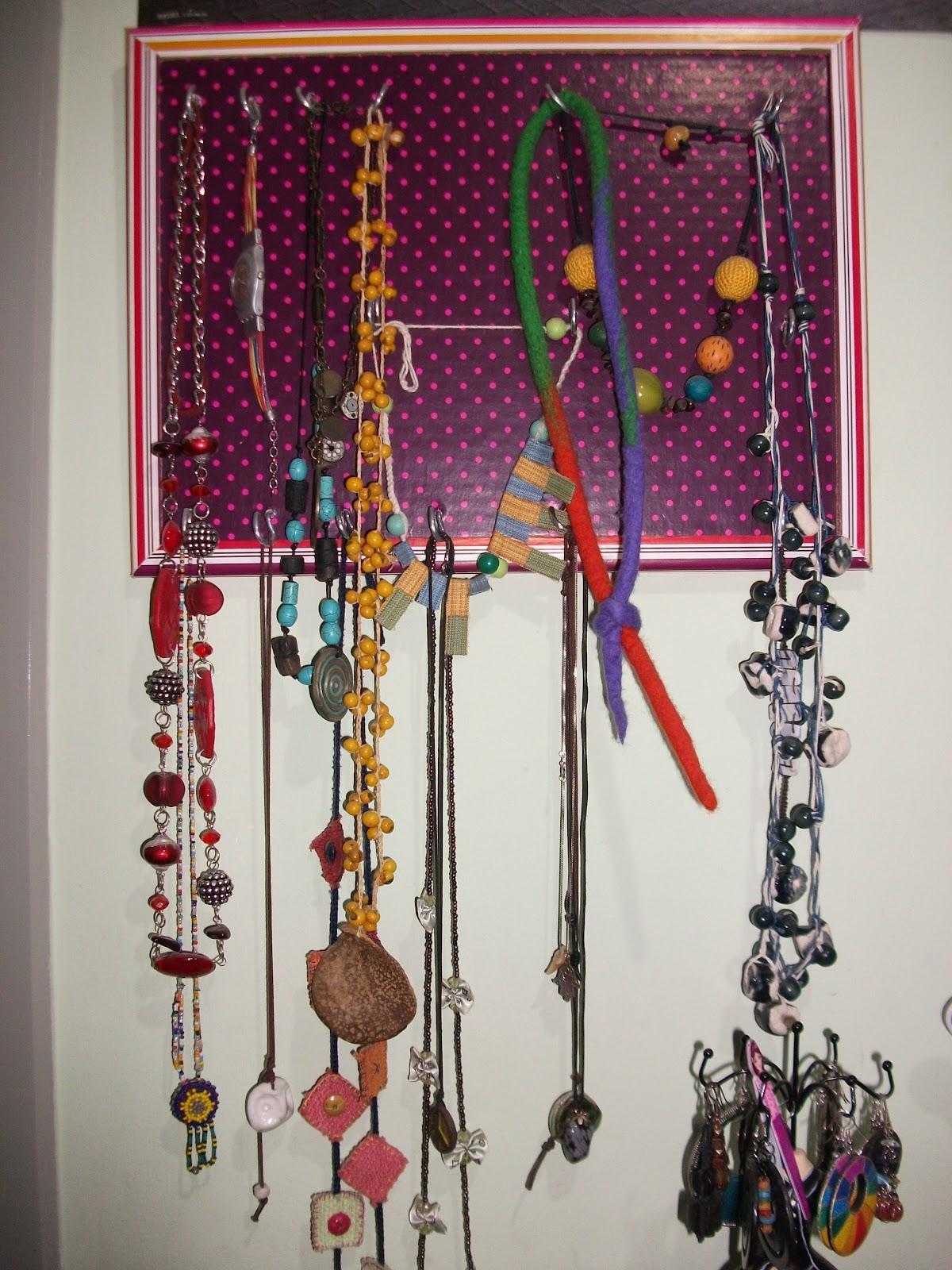 Patri y sus locuras colgador de collares y pulseras facilito - Colgador de collares ikea ...