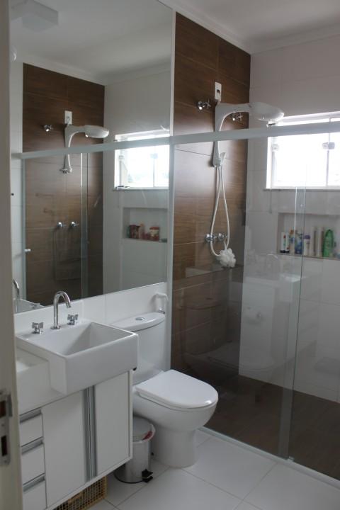 Cimento e outras coisinhas mais O que ainda não mostrei O banheiro da  # Banheiros Pequenos Com Pastilhas Cinza