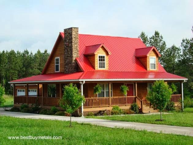 Casa americana con techo de chapas metálicas color rojo