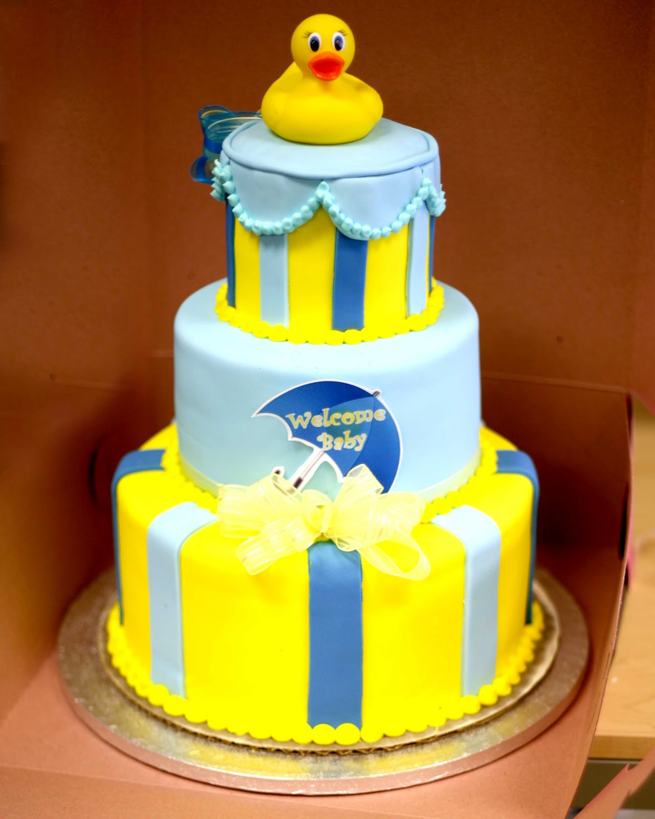 Hectors Custom Cakes FONDANT BABY SHOWER CAKE