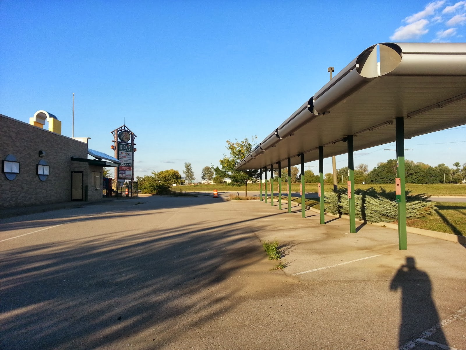 Eerie Indiana Abandoned Sonic Drive In Restaurant Clarksville
