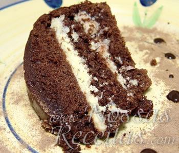 receita deliciosa de Bolo de Chocolate Prestígio