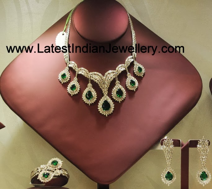 Diamond Emerald Necklace Set