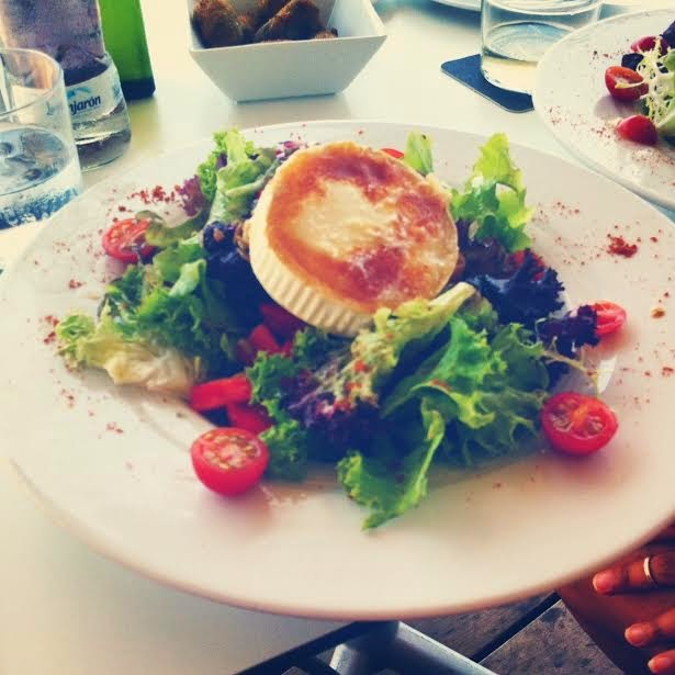 goat cheese salad portixo