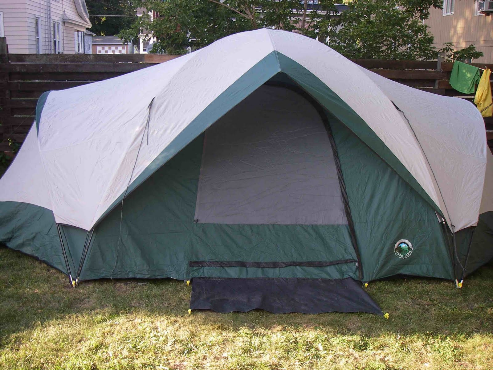 Ozark Trail // 20u0027 x 13u0027 // 9-10 Person Tent & May The Forest Be With You: Ozark Trail // 20u0027 x 13u0027 // 9-10 ...