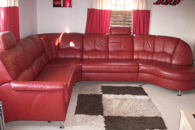 Retro Furniture: Red Leather Retro Corner Settee