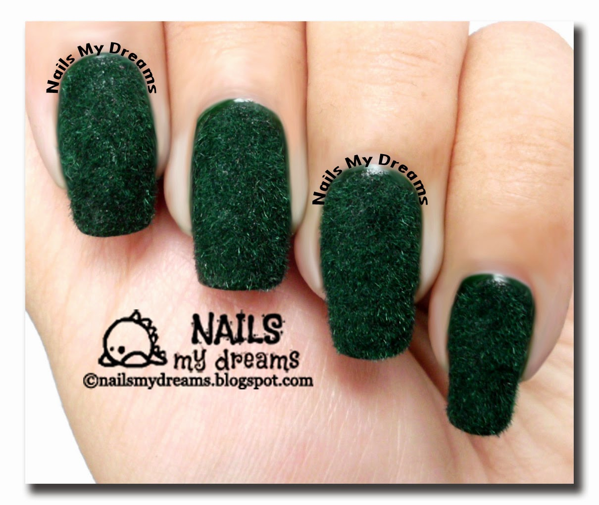 dark-green-flocking-velvet-nail-art-02