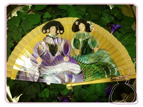 Abanico modelo Meninas pintado a mano por Sylvia Lopez Morant que se inspira en el cuadro de Las Meninas de Velazquez
