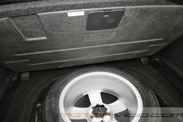 Novo Golf 2014 - porta- malas com estepe