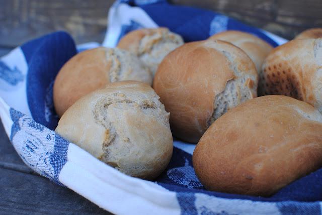 frallor, recept, franska, franskor, små franska, bröd, frukost, fika, kvällsfika, lantvetemjöl