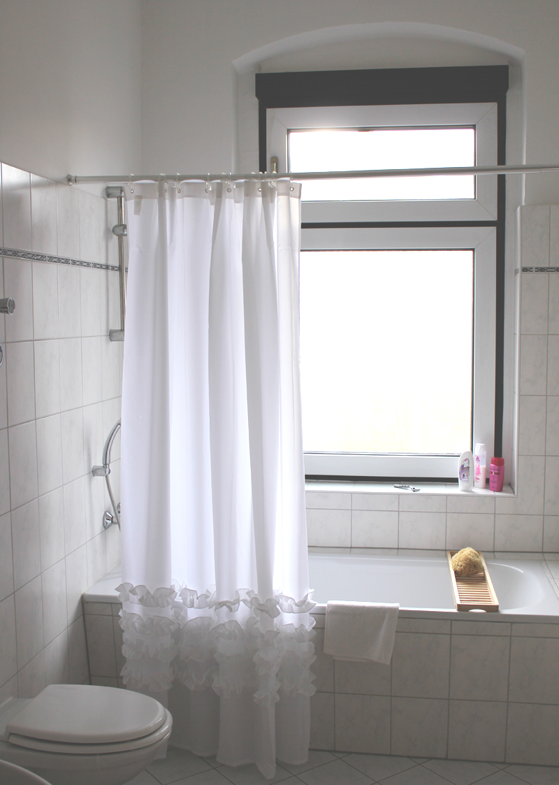 das miau duschvorhang h m. Black Bedroom Furniture Sets. Home Design Ideas