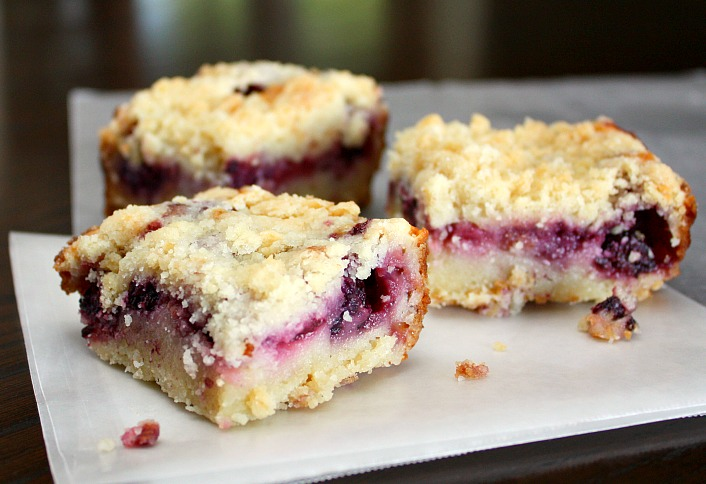 APPLE A DAY: Summer Berry Pie Bars