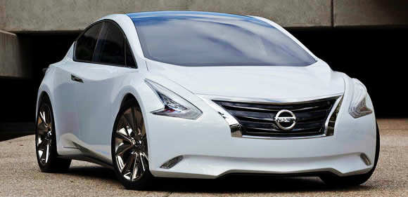 Car Overview: 2013 Nissan Altima