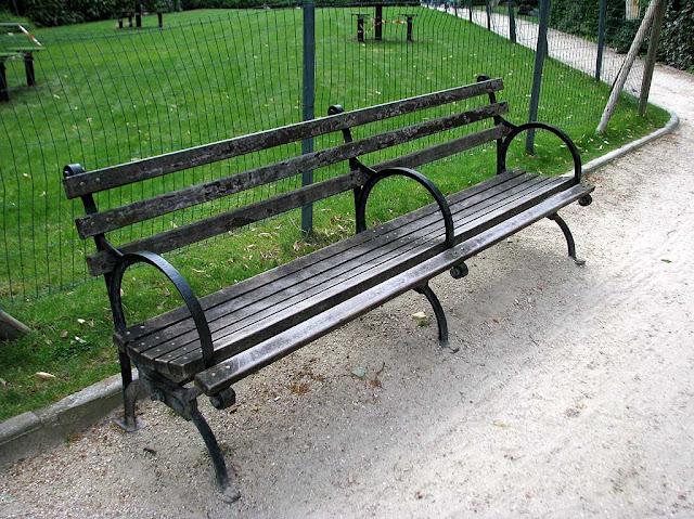 Bench, Place des États-Unis, Paris