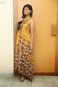 Actress Shalini latest glam pics-thumbnail-2