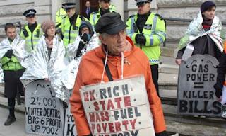 Energie et développement - manifestation contre la précarité énergétique en Angleterre après la publication de l'Energie Bill