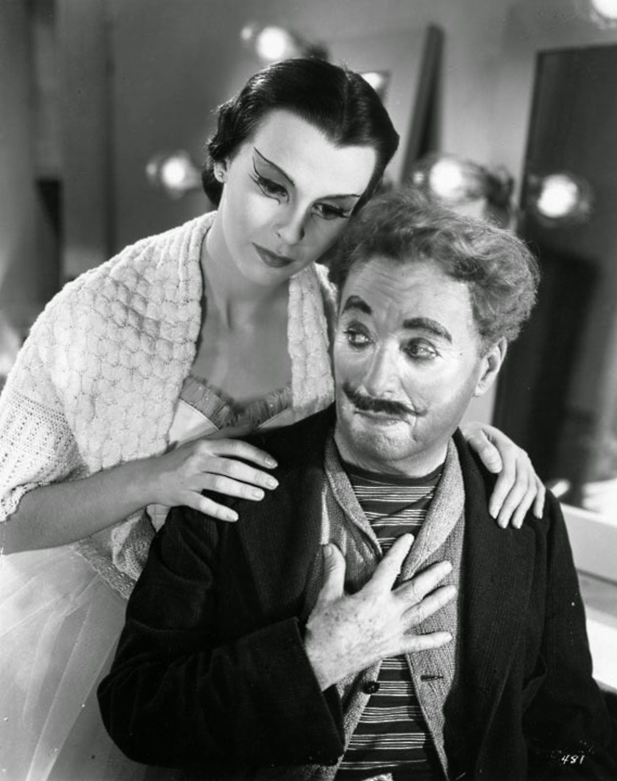 charlie chaplin talks back The return of comedian charlie chaplin to london following the end of the first   she was relatively normal for long periods and would talk to guests about her.