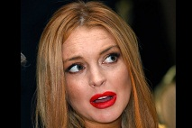 Lindsay Lohan was reportedly addicted to online shopping in rehab