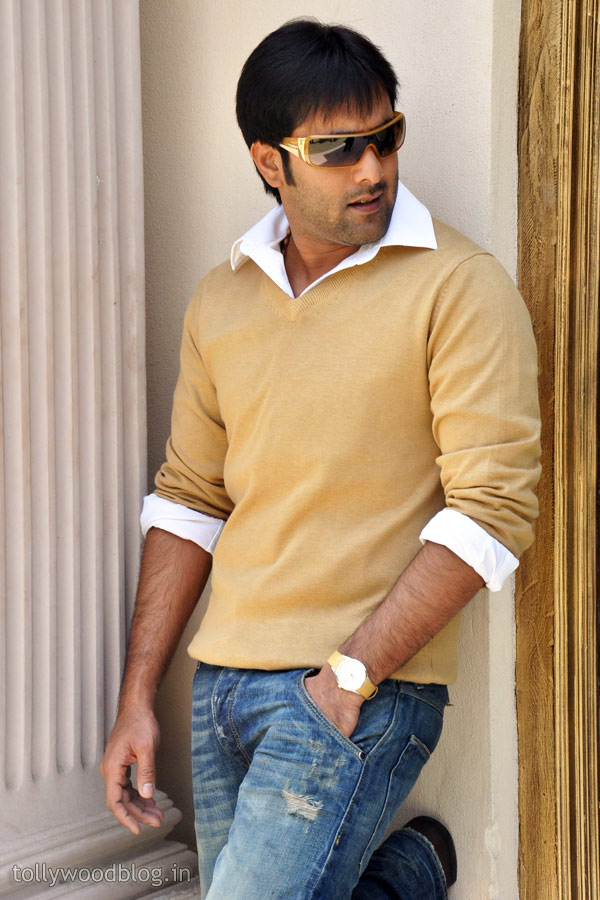 Tarun New Handsome Stylish Stills @ Yuddam Pree Meet-HQ-Photo-7