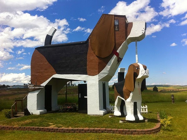 All about our passion 10 most weird houses all over the for Big houses in the world