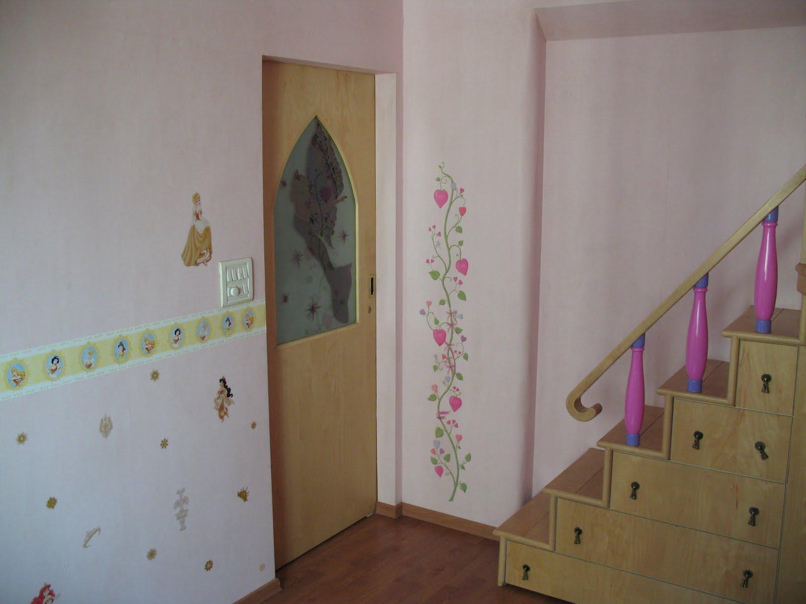Hopskoch pet project little princess 39 s castle for Princess fairy door