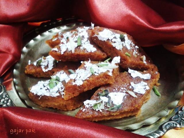 http://paakvidhi.blogspot.in/2014/01/gajar-paak.html