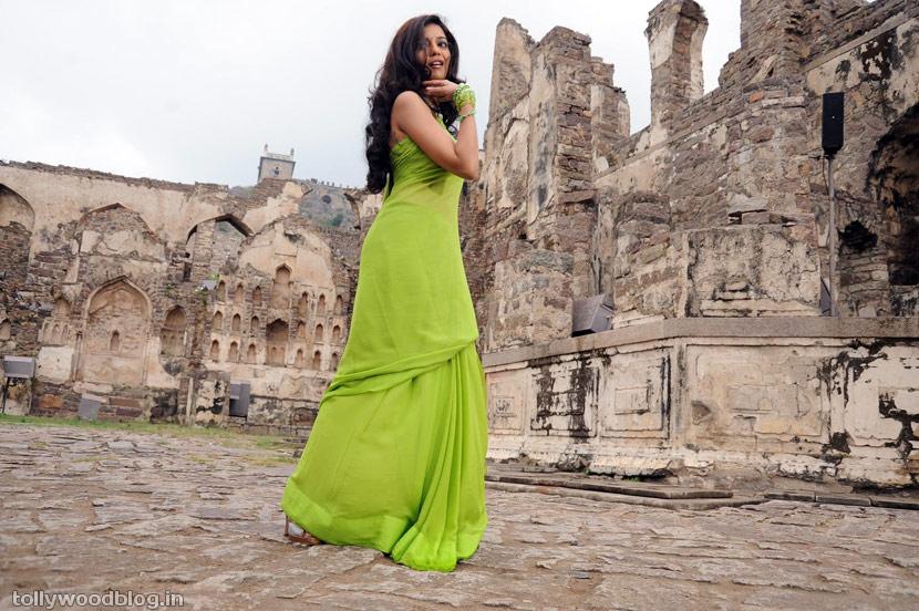 , Swathi Stills In Green Saree
