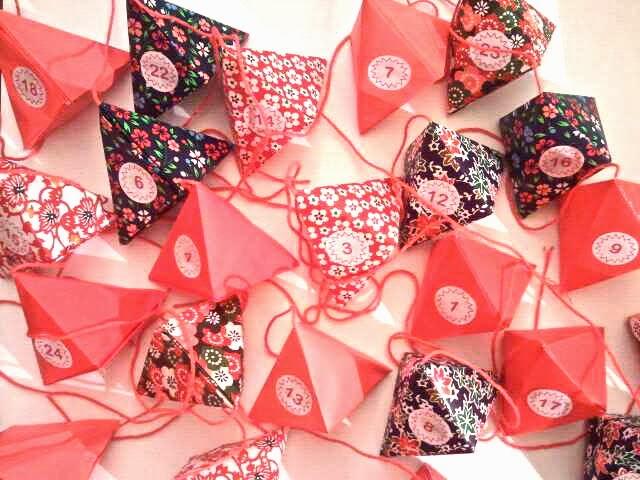 diy calendrier de l 39 avent en origami. Black Bedroom Furniture Sets. Home Design Ideas