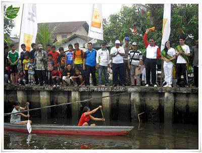 Lomba Sampan Rakyat Tradisional Sungai Jawi Pontianak