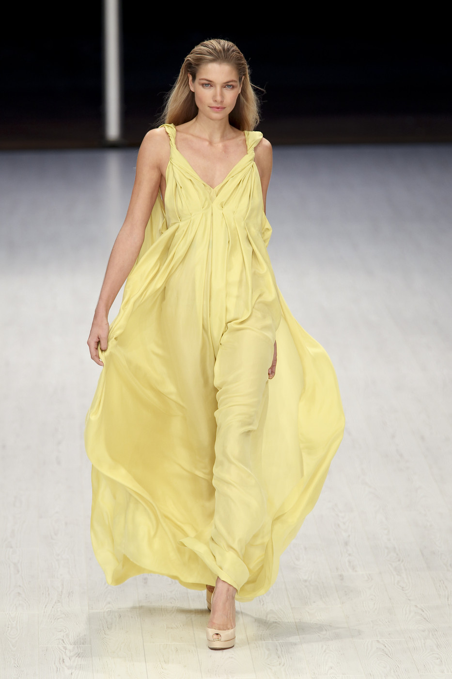 via fashioned by love | Matthew Williamson Spring/Summer 2011
