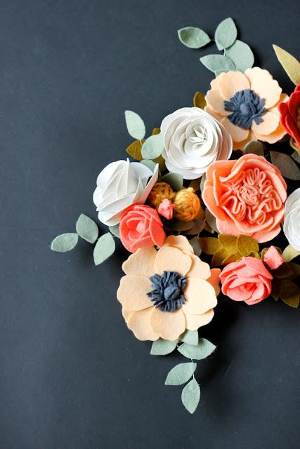 http://www.deliacreates.com/felt-flowers-details-clip-tutorial/