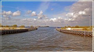 Terowongan Air Menakjubkan Di Belanda